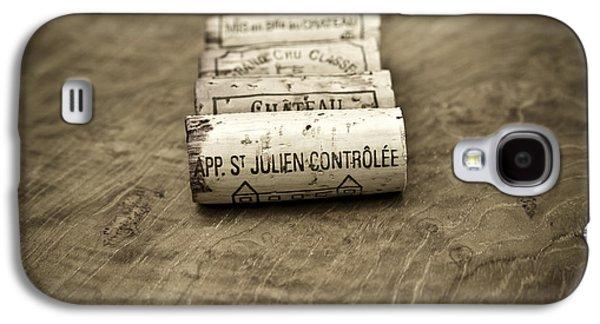 Haut Galaxy S4 Cases - Bordeaux Wine Corks Galaxy S4 Case by Frank Tschakert