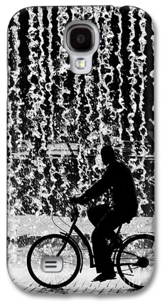 Pour Photographs Galaxy S4 Cases - Cycling Silhouette Galaxy S4 Case by Carlos Caetano