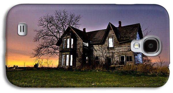 Abandoned House Photographs Galaxy S4 Cases - Haunted House Galaxy S4 Case by Cale Best