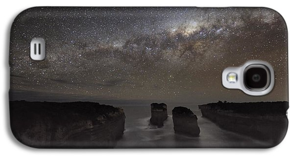 Moonlit Night Photographs Galaxy S4 Cases - Milky Way Over Shipwreck Coast Galaxy S4 Case by Alex Cherney, Terrastro.com