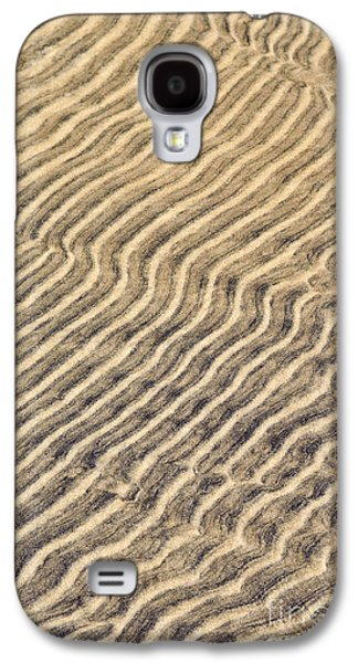 Abstract Nature Photographs Galaxy S4 Cases - Sand ripples in shallow water Galaxy S4 Case by Elena Elisseeva