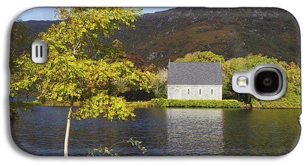 Gougane Barra Church Photographs Galaxy S4 Cases - St. Finbarres Oratory On Shore Galaxy S4 Case by Ken Welsh