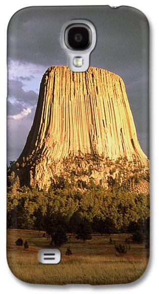 Towe Galaxy S4 Cases - View Of Devils Tower, A Basalt Outcrop Galaxy S4 Case by Tony Craddock