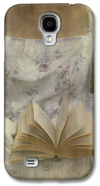 Female Photographs Galaxy S4 Cases - Woman With A Book Galaxy S4 Case by Joana Kruse
