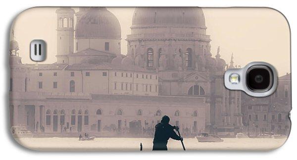 Transportation Photographs Galaxy S4 Cases - Venezia Galaxy S4 Case by Joana Kruse