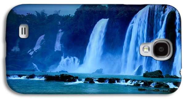 Moonlit Night Photographs Galaxy S4 Cases - Waterfall Galaxy S4 Case by MotHaiBaPhoto Prints