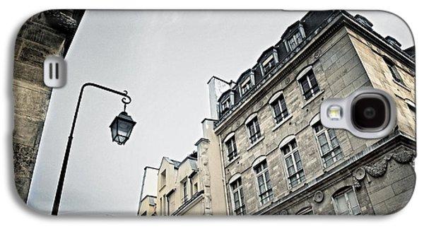 Streetlight Photographs Galaxy S4 Cases - Paris street Galaxy S4 Case by Elena Elisseeva
