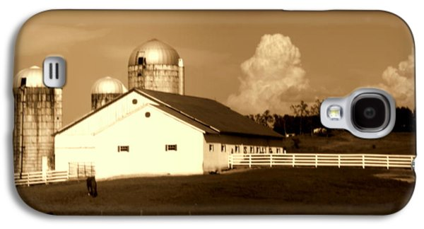 Red Roofed Barn Galaxy S4 Cases - Remember When Galaxy S4 Case by Karen Wiles