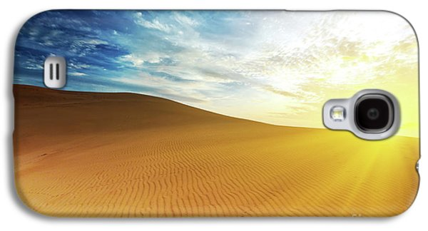 Sahara Sunlight Galaxy S4 Cases - Sandy desert Galaxy S4 Case by MotHaiBaPhoto Prints