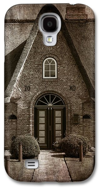 House Galaxy S4 Cases - Thatch Galaxy S4 Case by Joana Kruse