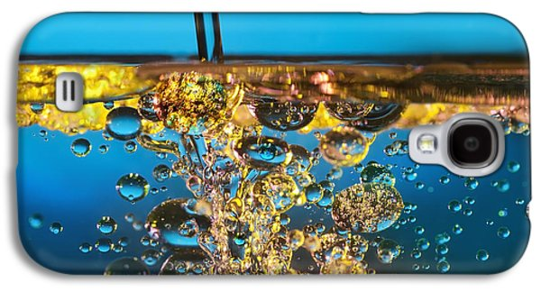 Abstract Rain Galaxy S4 Cases - Water And Oil Galaxy S4 Case by Setsiri Silapasuwanchai