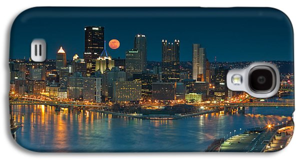 Roberto Clemente Galaxy S4 Cases - 2011 Supermoon over Pittsburgh Galaxy S4 Case by Jennifer Grover