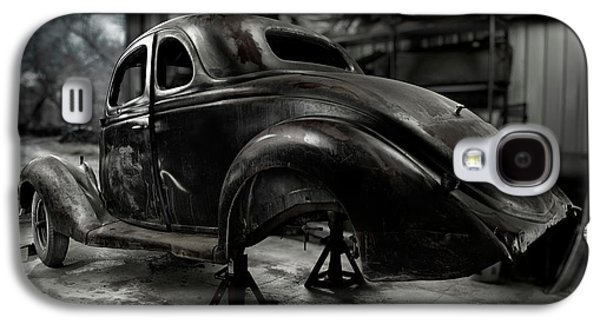 Rusted Cars Galaxy S4 Cases - 36 Ford Coupe Rear Galaxy S4 Case by Yo Pedro