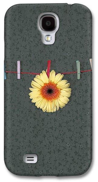 Hanging Galaxy S4 Cases - Gerbera Galaxy S4 Case by Joana Kruse
