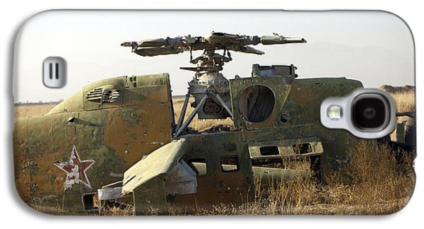 Helicopter Photographs Galaxy S4 Cases - A Mi-35 Attack Helicopter At Kunduz Air Galaxy S4 Case by Terry Moore
