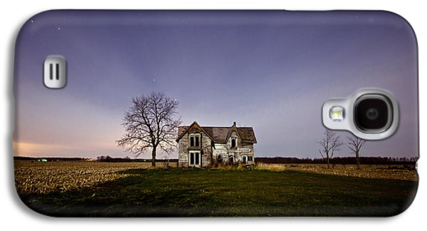 Abandoned House Photographs Galaxy S4 Cases - Abandoned Farmhouse at Night Galaxy S4 Case by Cale Best