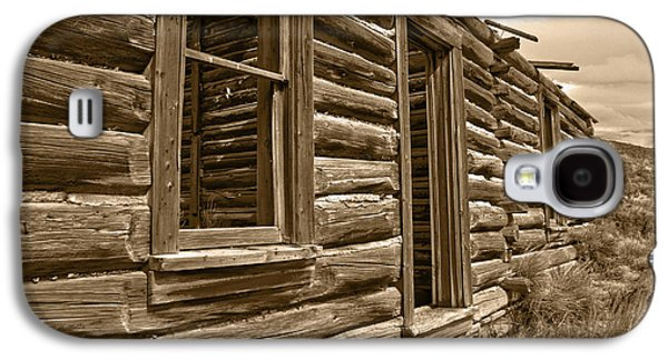 Log Cabin Photographs Galaxy S4 Cases - Abandoned Galaxy S4 Case by Shane Bechler