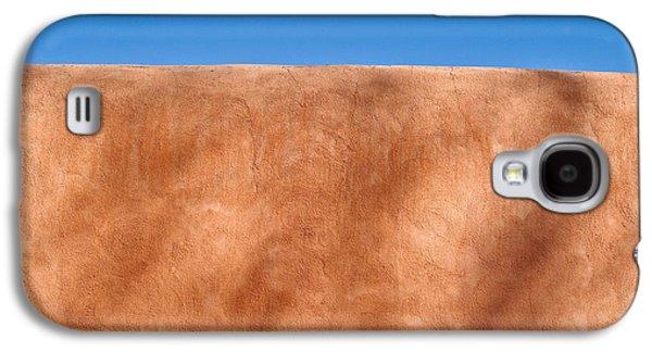 Textural Galaxy S4 Cases - Adobe Wall Santa Fe Galaxy S4 Case by Steve Gadomski