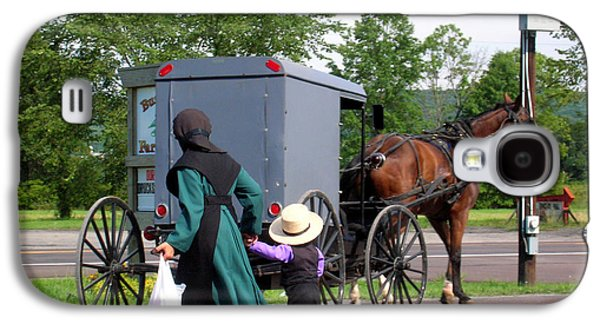 Amish Family Photographs Galaxy S4 Cases - Amish Mother and Son Galaxy S4 Case by George Jones