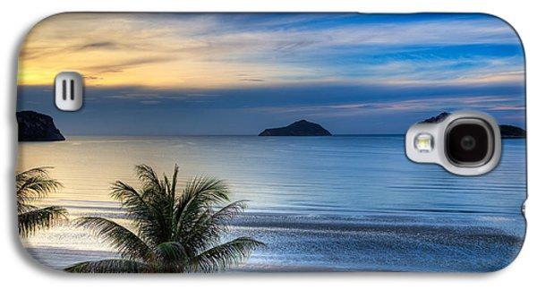 Coastline Digital Art Galaxy S4 Cases - Ao Manao Bay Galaxy S4 Case by Adrian Evans