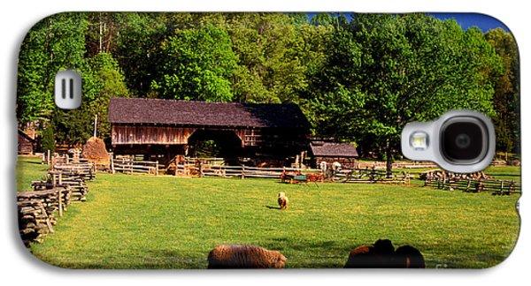 Tn Barn Galaxy S4 Cases - Appalachian Barn Yard Galaxy S4 Case by Paul W Faust -  Impressions of Light