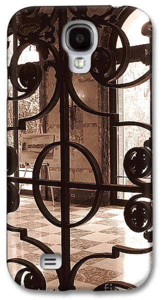 Original Art Photographs Galaxy S4 Cases - Artists Easel Galaxy S4 Case by Colleen Kammerer