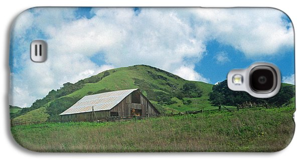 Building Framed Prints Galaxy S4 Cases - Barn on the Hill Galaxy S4 Case by Kathy Yates
