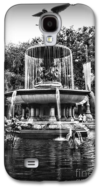 Pond In Park Galaxy S4 Cases - Bethesda Fountain Galaxy S4 Case by Paul Ward