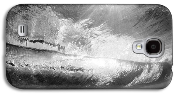Wide Angled Glass Mirror Galaxy S4 Cases - Black and White view under wave Galaxy S4 Case by MakenaStockMedia - Printscapes