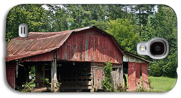 Tennessee Hay Bales Galaxy S4 Cases - Broad Roofed Barn 1 Galaxy S4 Case by Douglas Barnett