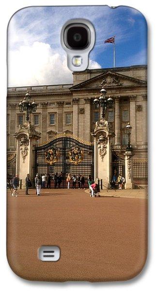 Duchess Of Cambridge Galaxy S4 Cases - Buckingham Palace Galaxy S4 Case by John Colley
