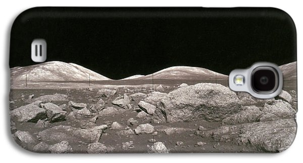 Camelot Galaxy S4 Cases - Camelot Crater On Moon, Apollo 17 Galaxy S4 Case by Science Source
