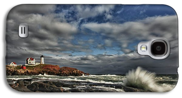 Maine Photographs Galaxy S4 Cases - Cape Neddick Lighthouse Galaxy S4 Case by Rick Berk