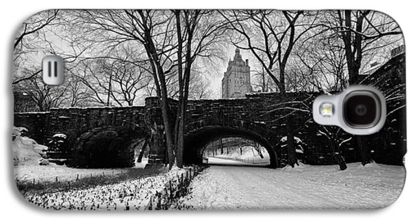 Cold Galaxy S4 Cases - Central Park West and the San Remo Building  Galaxy S4 Case by John Farnan
