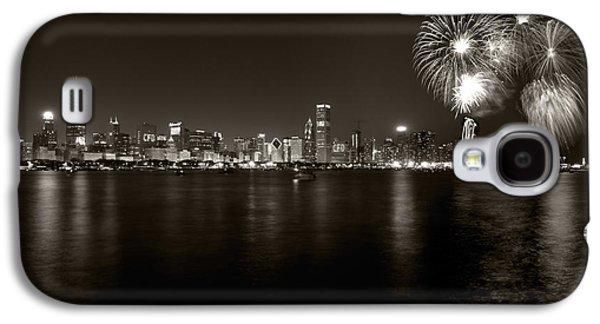 4th July Galaxy S4 Cases - Chicago Skyline Fireworks BW Galaxy S4 Case by Steve Gadomski