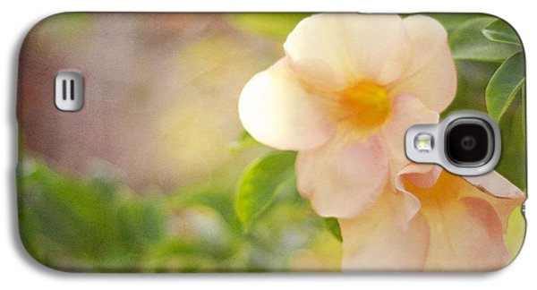 Flower Design Photographs Galaxy S4 Cases - Closeness Galaxy S4 Case by Jenny Rainbow