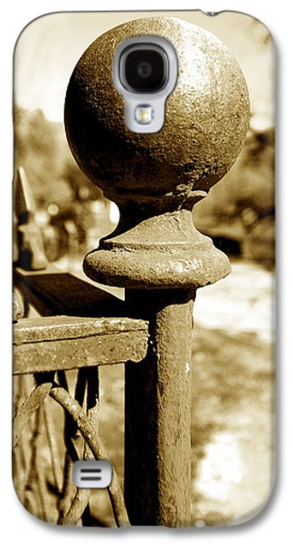 Old Fence Posts Galaxy S4 Cases - Corner Post Galaxy S4 Case by Cheryl Young