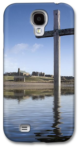 Design Pics - Galaxy S4 Cases - Cross In Water, Bewick, England Galaxy S4 Case by John Short