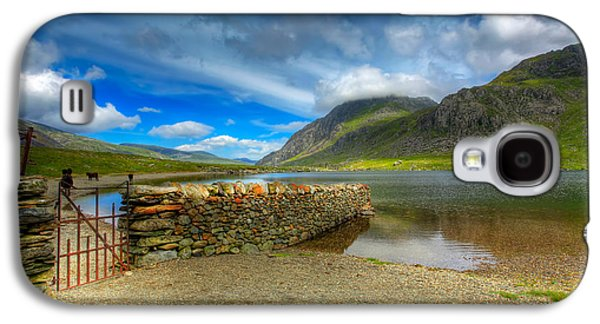 Hdr Landscape Galaxy S4 Cases - Cwm Idwal Galaxy S4 Case by Adrian Evans