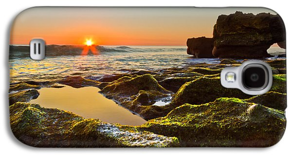Tidal Photographs Galaxy S4 Cases - Dawn Pool Galaxy S4 Case by Debra and Dave Vanderlaan