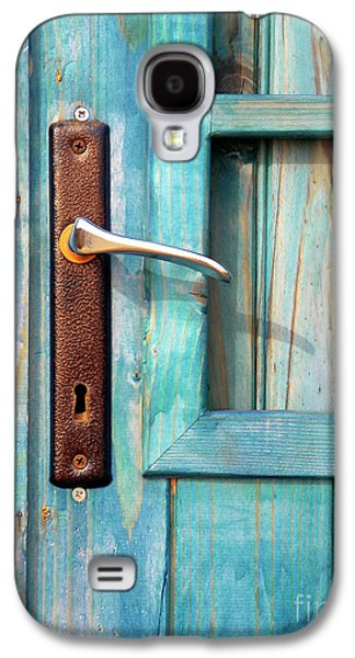 Shed Photographs Galaxy S4 Cases - Door Handle Galaxy S4 Case by Carlos Caetano