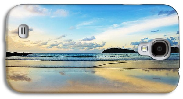 Tropical Oceans Galaxy S4 Cases - Dramatic Scene Of Sunset On The Beach Galaxy S4 Case by Setsiri Silapasuwanchai