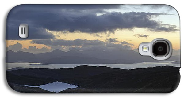 Gloaming Galaxy S4 Cases - Dusk panorama of Skye Galaxy S4 Case by Gary Eason