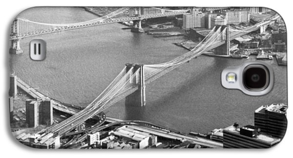 Twin Towers Nyc Galaxy S4 Cases - East River bridges New York Galaxy S4 Case by Gary Eason