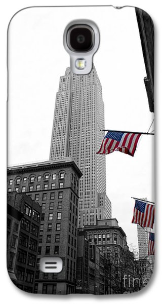 North America Photographs Galaxy S4 Cases - Empire State Building in the mist Galaxy S4 Case by John Farnan