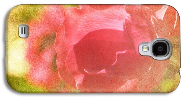 Photography Prints Galaxy S4 Cases - Falling In Love Galaxy S4 Case by Amy Tyler