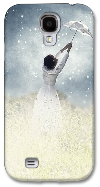 Female Photographs Galaxy S4 Cases - Flying away Galaxy S4 Case by Joana Kruse