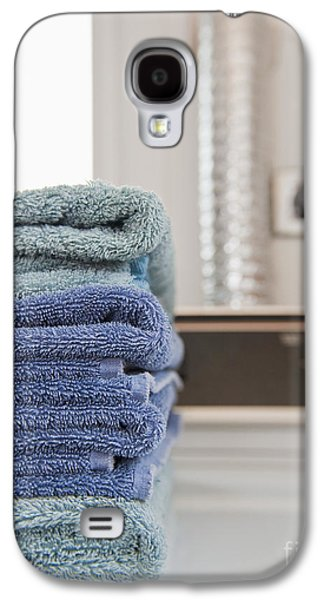 Washing Machine Galaxy S4 Cases - Folded Towels on a Dryer Galaxy S4 Case by Thom Gourley/Flatbread Images, LLC