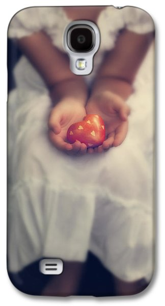 Girl Galaxy S4 Cases - Girl Is Holding A Heart Galaxy S4 Case by Joana Kruse