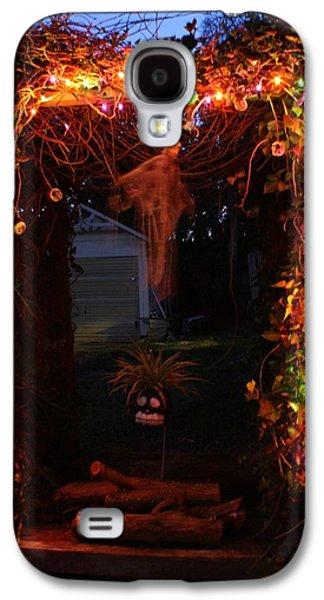 Halloween Photographs Galaxy S4 Cases - Halloween 2011 Galaxy S4 Case by Mandy Shupp